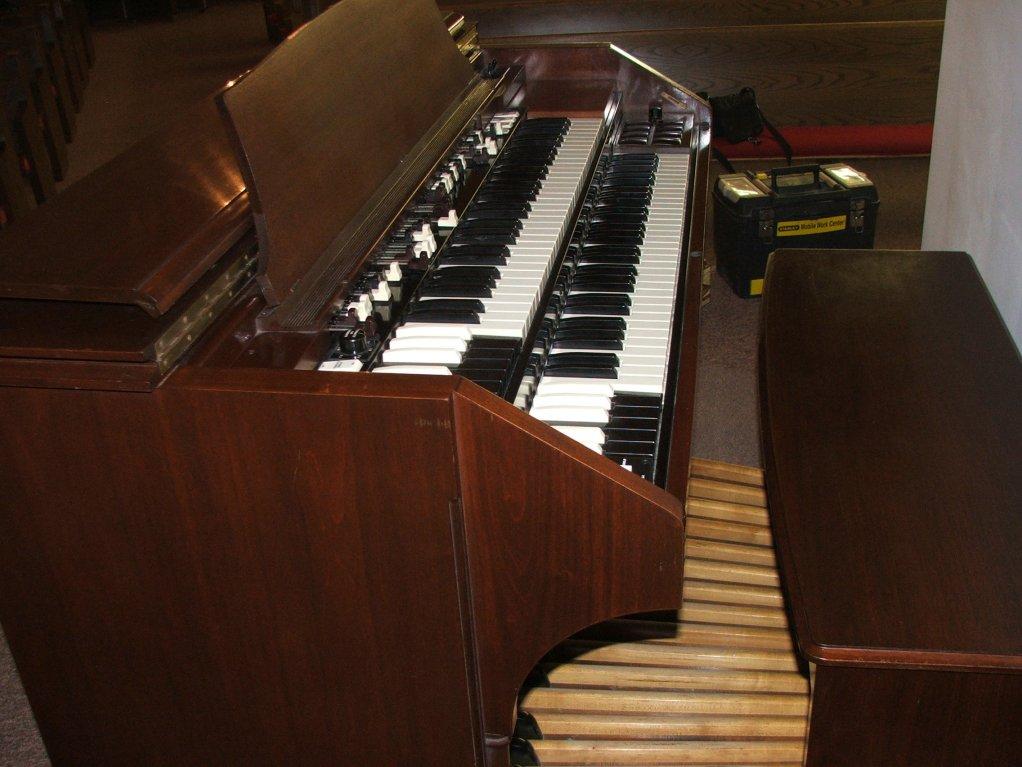 RT3 Vintage Hammond B-3 Style Organ and Leslie 122